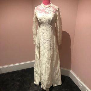 Beautiful vintage 60s wedding dress